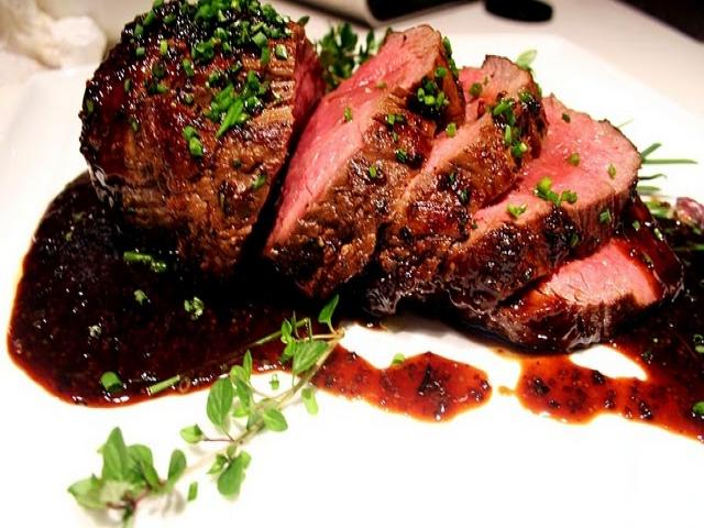 BEEF FILLET WITH BALSAMIC VINEGAR